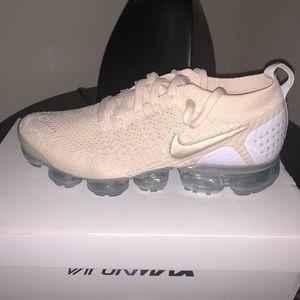 Nike Women's Vapormax Flyknit 2 Sneakers